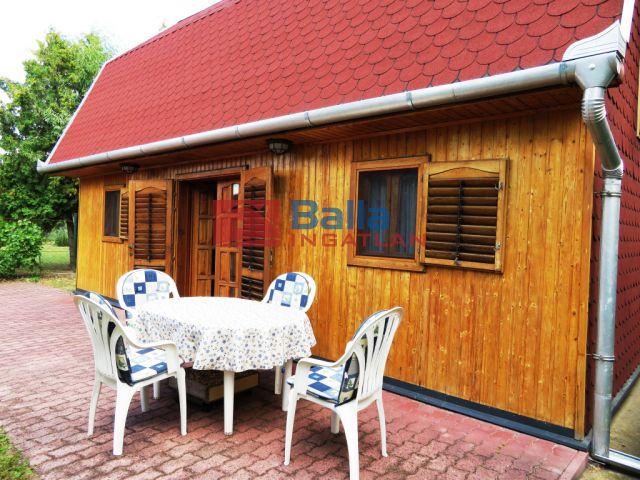 Balatonkenese - Csendes utca:  50 m²-es családi ház   (42'500'000 ,- Ft)