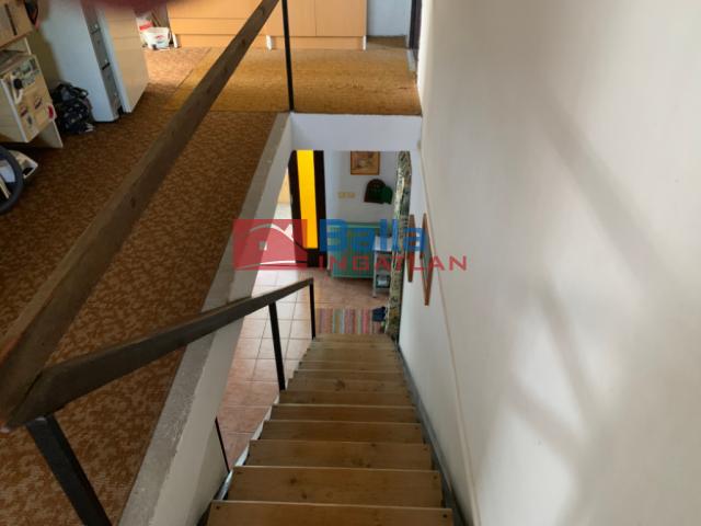 Dunabogdány - Domb oldal utca:  285 m²-es családi ház   (57'900'000 ,- Ft)