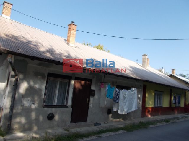 Ózd - Kisamerika sor:  41 m²-es sorház   (2'700'000 ,- Ft)
