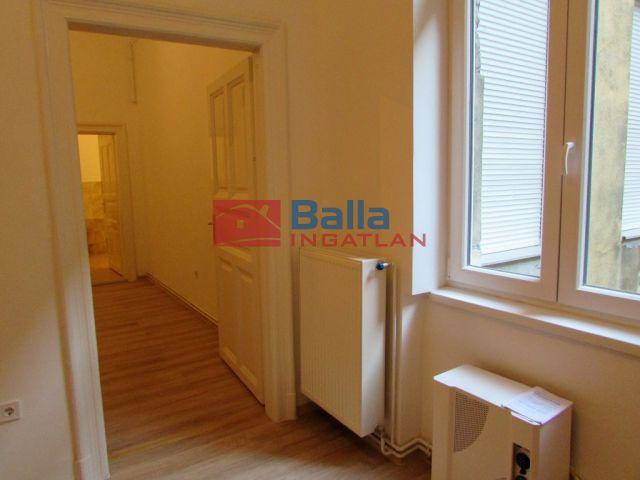VI. Kerület (Nagykörúton belül) - NAGYMEZŐ utca:  44 m²-es társasházi lakás   (41'200'000 ,- Ft)