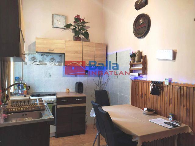 VI. Kerület (Terézváros) - Csengery utca:  108 m²-es társasházi lakás   (60'900'000 ,- Ft)
