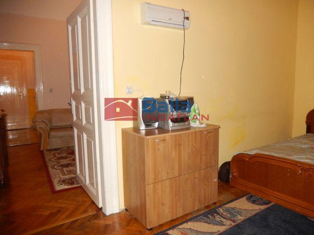 VIII. Kerület (Józsefváros) - Baross utca:  56 m²-es társasházi lakás   (36'500'000 ,- Ft)
