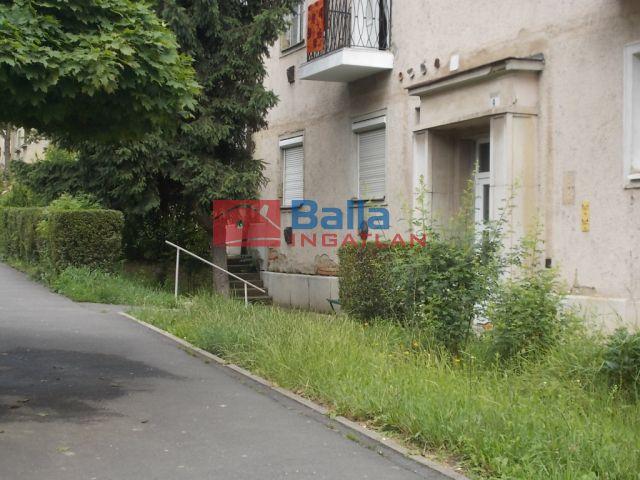 Ózd - Árpád vezér utca:  36 m²-es társasházi lakás   (2'900'000 ,- Ft)