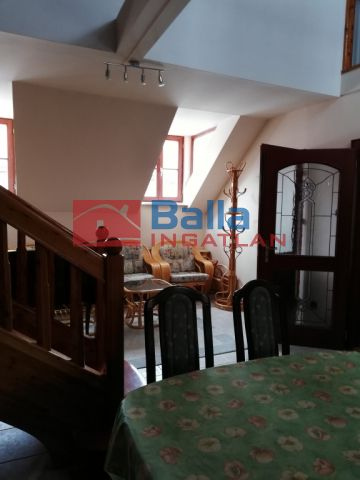 Sopron - Belváros szíve utca:  110 m²-es társasházi lakás   (38'000'000 ,- Ft)