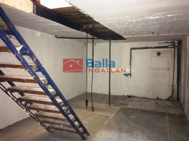 Szigetszentmiklós - Autőszerelő műhely lakassal  együtt köpontban utca:  99 m²-es társasházi lakás   (18'900'000 ,- Ft)