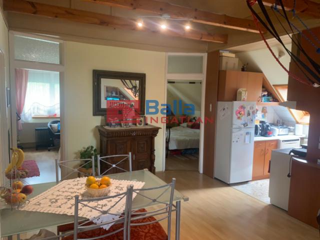 Budakalász - közelheji utca:  200 m²-es családi ház   (87'300'000 ,- Ft)