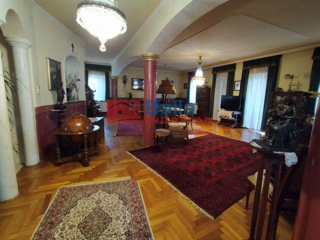 II. kerület (Máriaremete II/A.) - Máriaremetei út:  400 m²-es családi ház   (249'000'000 ,- Ft)