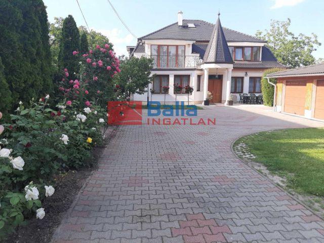 III. Kerület (Remetehegy) - Perényi köz:  397 m²-es családi ház   (492'000'000 ,- Ft)