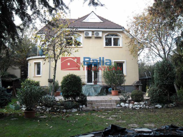 X. Kerület (Óhegy) - Bodza utca:  432 m²-es családi ház   (152'000'000 ,- Ft)