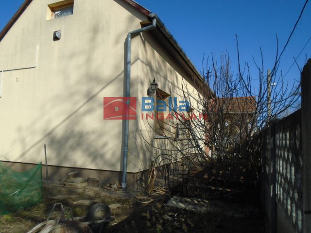 XVI. Kerület (Sashalom) - Sashalom:  110 m²-es családi ház   (53'000'000 ,- Ft)