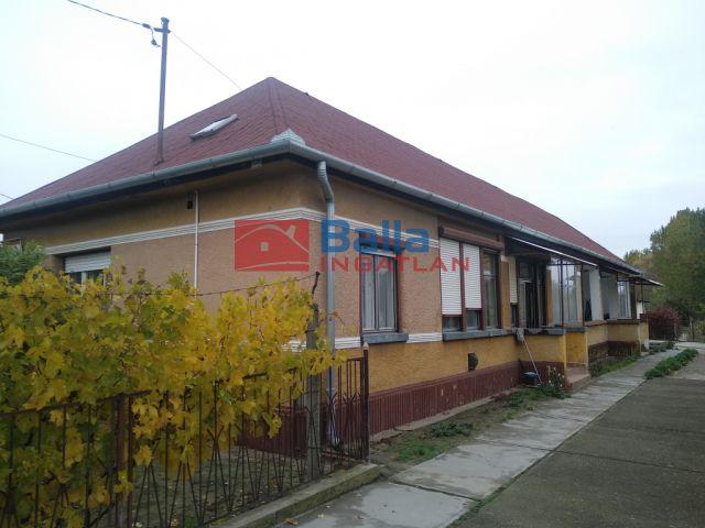 Bugyi - Önálló kétszobás ház közös udvarral!:  75 m²-es családi ház   (9'990'000 ,- Ft)