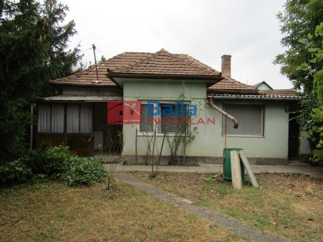 Érd (Tisztviselőtelep) - Aréna közeli út:  70 m²-es családi ház   (25'000'000 ,- Ft)