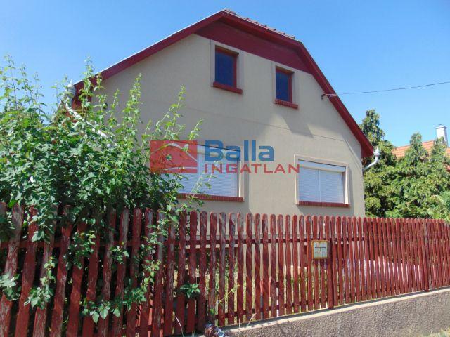 Kecskemét - Vacsi-köz és a Hegedűs-köz közelében csendes nyugodt környéken eladó egy 97nm-es családi ház.:  97 m²-es családi ház   (79'900'000 ,- Ft)