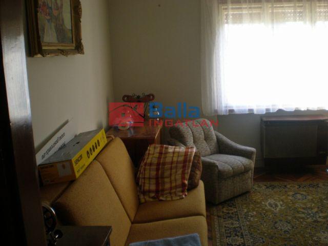 Kisfalud - Kisfalud utca:  220 m²-es családi ház   (19'900'000 ,- Ft)