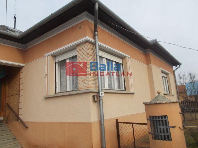 Ózd - Csépány út:  100 m²-es családi ház   (7'800'000 ,- Ft)