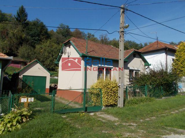 Ózd - Liszt F. út:  54 m²-es családi ház   (9'900'000 ,- Ft)