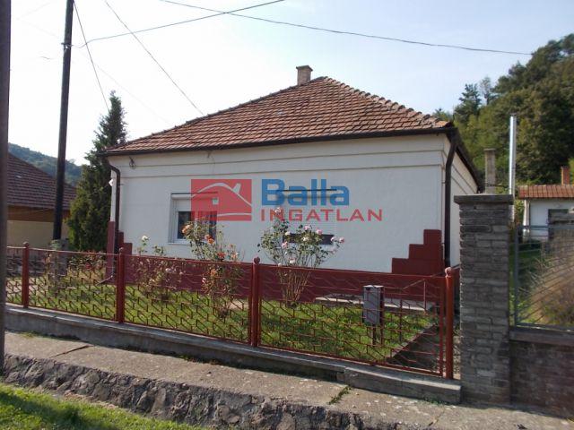 Ózd - Vörösmarty út:  80 m²-es családi ház   (4'500'000 ,- Ft)
