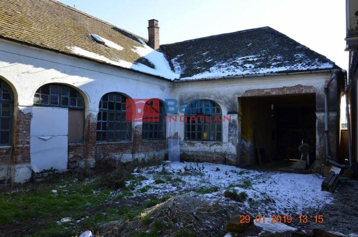 Sopronhorpács - Központ utca:  160 m²-es családi ház   (19'700'000 ,- Ft)