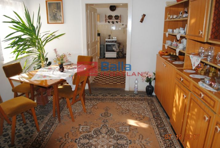 Szakony - Szakony:  98 m²-es családi ház   (12'000'000 ,- Ft)