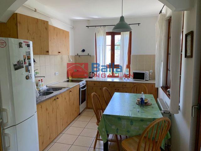 Szentendre - lászlótelep utca:  180 m²-es családi ház   (74'900'000 ,- Ft)