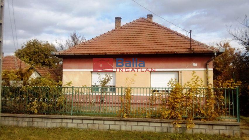 Szigethalom (Kertváros) - Szabadkaihoz közeli utca:  70 m²-es családi ház   (18'500'000 ,- Ft)