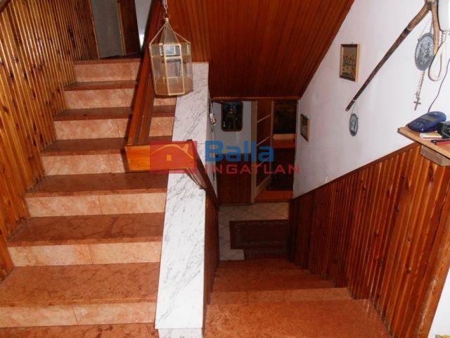 Szigetszentmiklós - Központ közeli utca:  248 m²-es családi ház   (46'000'000 ,- Ft)
