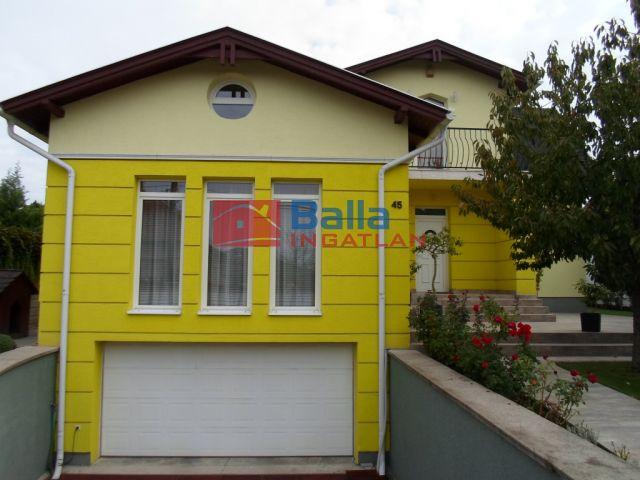 Szigetszentmiklós - Óvárosi telep:  233 m²-es családi ház   (77'900'000 ,- Ft)