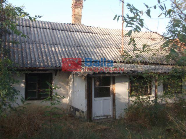 Tiszakécske - Arad utca:  46 m²-es családi ház   (2'400'000 ,- Ft)