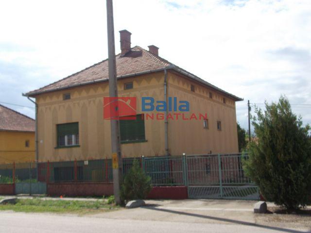 Tiszakécske - Batka Gyula utca:  150 m²-es családi ház   (19'500'000 ,- Ft)