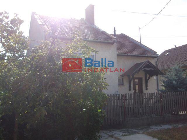 Tiszakécske - Blaha Lujza utca:  98 m²-es családi ház   (28'500'000 ,- Ft)