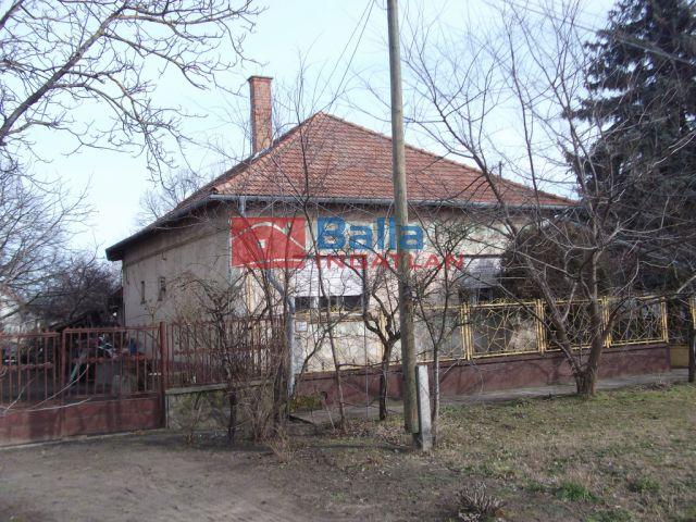 Tiszakécske - Hősök útja:  100 m²-es családi ház   (16'500'000 ,- Ft)