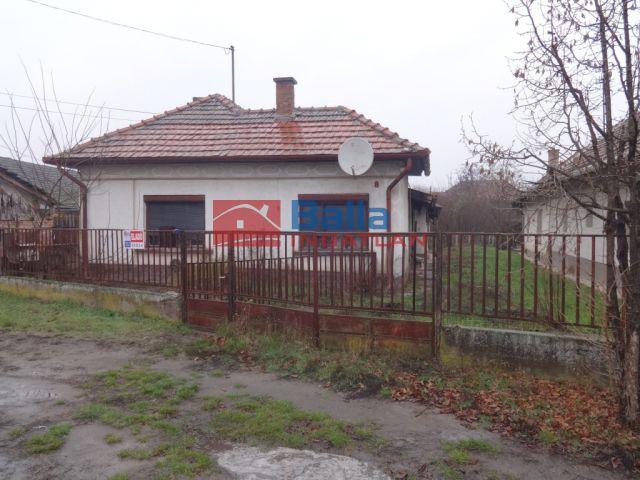 Tiszakécske - Kígyó utca:  90 m²-es családi ház   (5'900'000 ,- Ft)