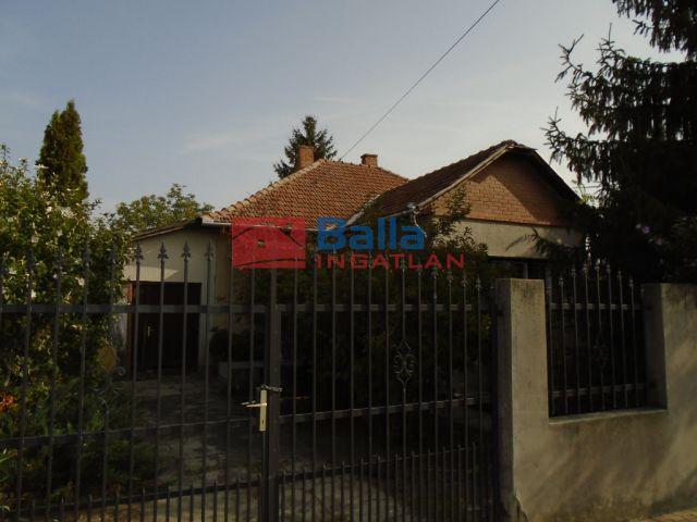 Tiszakécske - Városközpont utca:  92 m²-es családi ház   (28'900'000 ,- Ft)