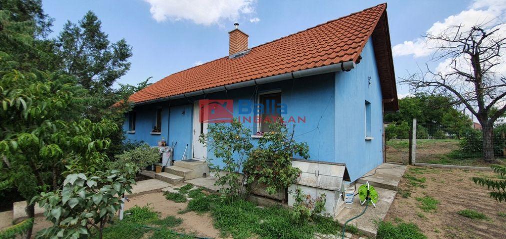 Vácrátót - Dózsa György utca:  57 m²-es családi ház   (34'500'000 ,- Ft)