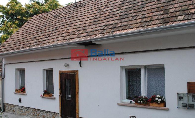 Fertőrákos - Fertőrákos utca:  83 m²-es házrész   (16'900'000 ,- Ft)