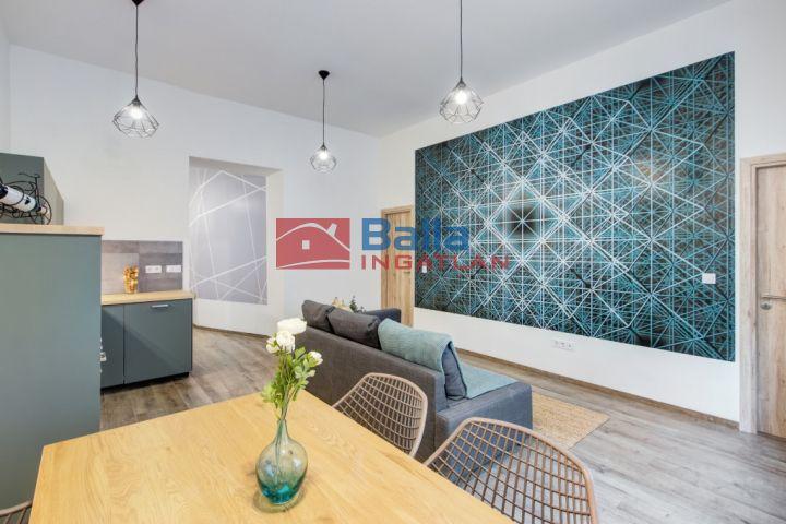 IX. Kerület (Belső Ferencváros) - Ferenc térnél:  45 m²-es társasházi lakás   (42'500'000 ,- Ft)