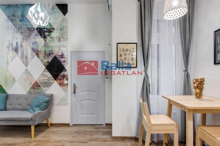 IX. Kerület (Belső Ferencváros) - Ferenc térnél:  30 m²-es társasházi lakás   (28'900'000 ,- Ft)