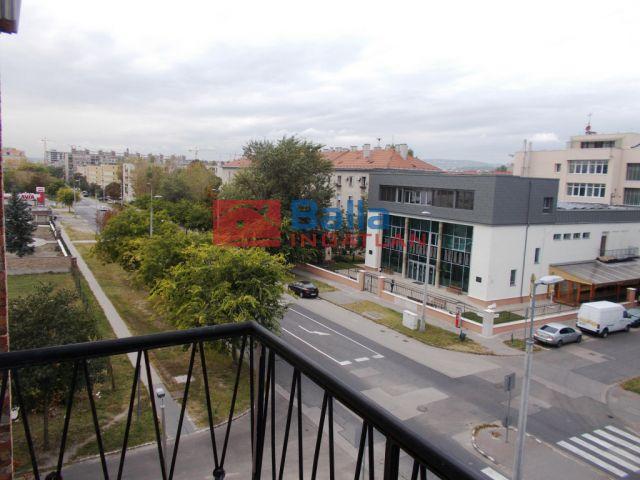 IX. Kerület (Külső Ferencváros) - Vágóhíd utca:  30 m²-es társasházi lakás   (22'700'000 ,- Ft)