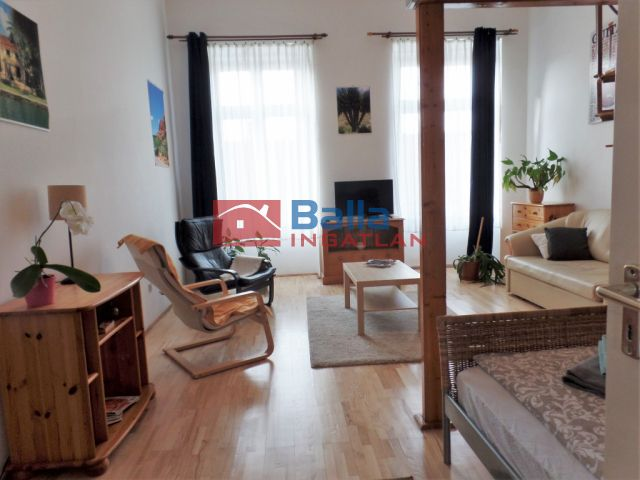 VI. Kerület (Nagykörúton belül) - Király utca:  48 m²-es társasházi lakás   (47'900'000 ,- Ft)