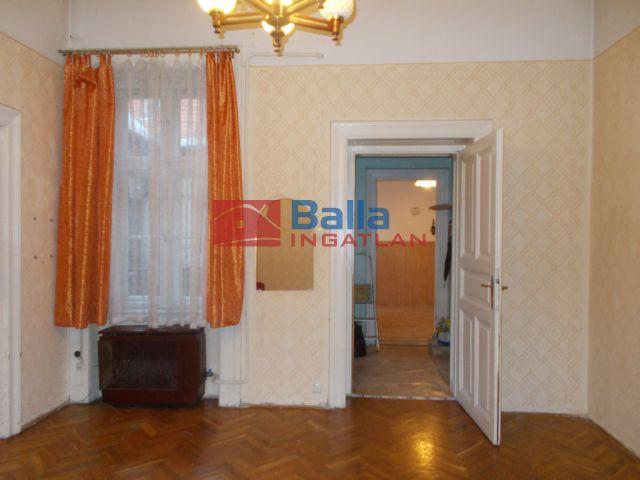 VII. Kerület (Középső-Erzsébetváros) - Rottenbiller utca:  49 m²-es társasházi lakás   (37'000'000 ,- Ft)