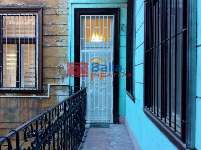 VII. Kerület (Nagykörúton belül) - Kazinczy utca:  53 m²-es társasházi lakás   (52'900'000 ,- Ft)