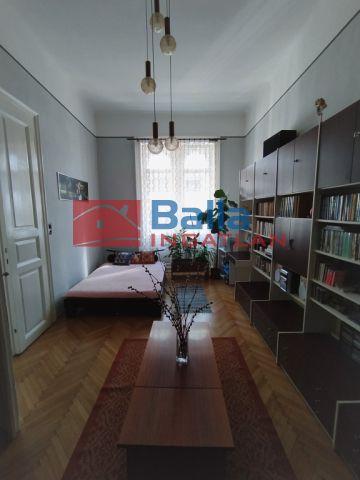 VII. Kerület (Nagykörúton kívül) - Rákóczi út:  88 m²-es társasházi lakás   (59'900'000 ,- Ft)