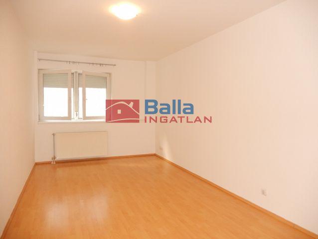 VIII. Kerület (Józsefváros) - Víg utca:  31 m²-es társasházi lakás   (98'000 ,- Ft)