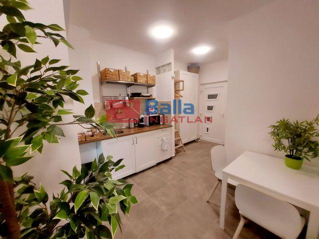 XI. Kerület (Sashegy) - BAH csomopont közeli út:  44 m²-es társasházi lakás   (39'500'000 ,- Ft)