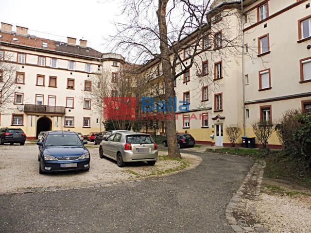XI. Kerület (Szentimreváros (Feneketlen tó környéke)) - Feneketlen tó környéki utca:  49 m²-es társasházi lakás   (39'900'000 ,- Ft)