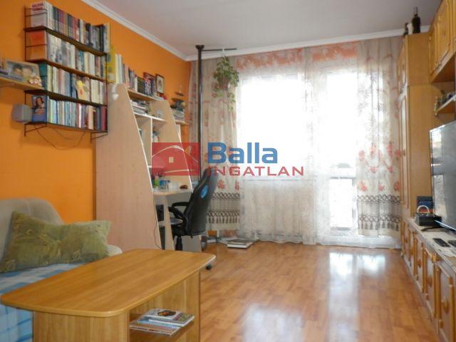 XIX. Kerület (Lakótelep) - Zrínyi utca:  53 m²-es társasházi lakás   (27'500'000 ,- Ft)