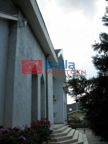 XVII. Kerület (Rákoskert) - Kucorgó közeli utca:  57 m²-es társasházi lakás   (35'000'000 ,- Ft)