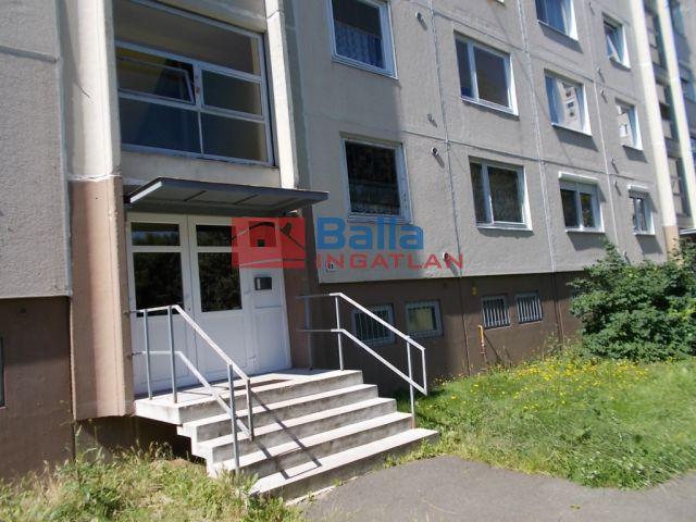 Ózd - Bolyki út:  55 m²-es társasházi lakás   (8'200'000 ,- Ft)
