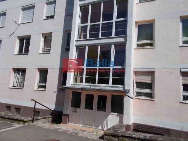 Ózd - Bolyki út:  55 m²-es társasházi lakás   (6'200'000 ,- Ft)