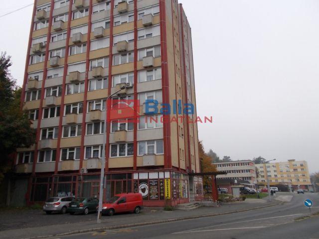 Ózd - Ív út:  65 m²-es társasházi lakás   (6'900'000 ,- Ft)